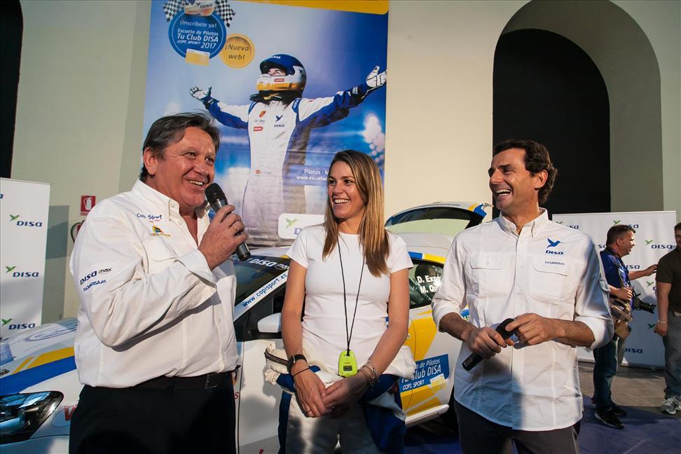 Fernando Capdevilla , Nira Juanco y Pedro de la Rosa.jpg
